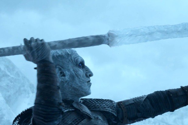 game-of-thrones-beyond-the-wall-jon-snow-viserion-night-king-javelin.jpg