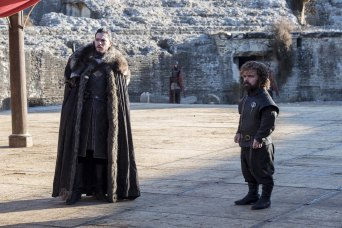 game-of-thrones-the-dragon-and-the-wolf-jon-snow-tyrion-lannister-08