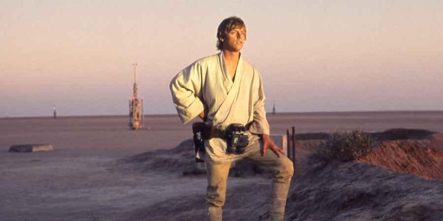 Mark-Hamill-as-Luke-Skywalker-in-Star-Wars-A-New-Hope.jpg